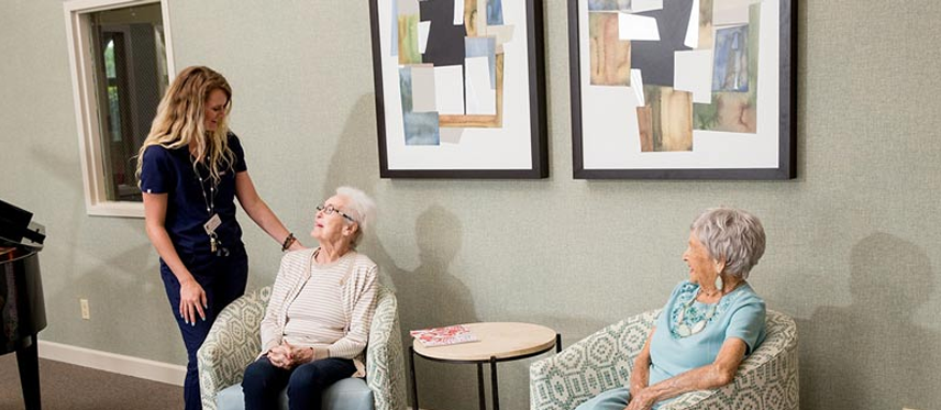 resident-conversation assisted living